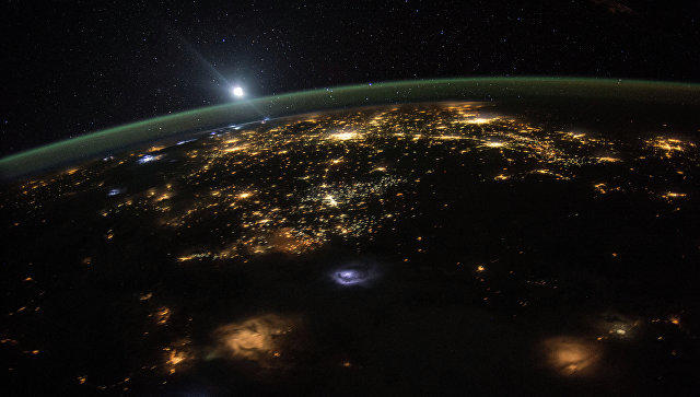 Сегодня вечером Земля будет еще дальше отСолнца