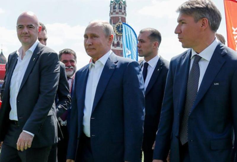 Владимир Путин встретился с легендами футбола
