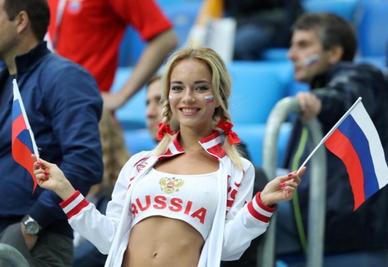 Защитник сборной Франции отметил красоту русских девушек