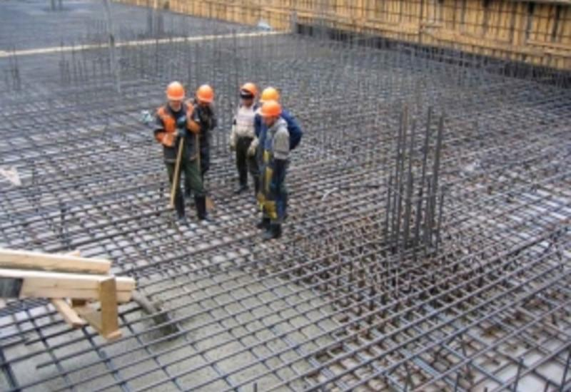 В Баку остановлено строительство многоэтажки, арестован директор компании