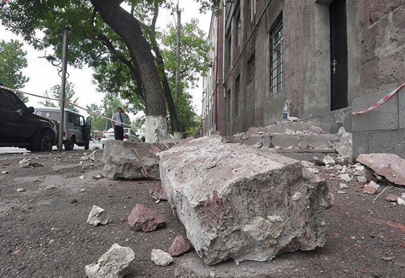 В Ереване обрушилось здание, есть жертвы