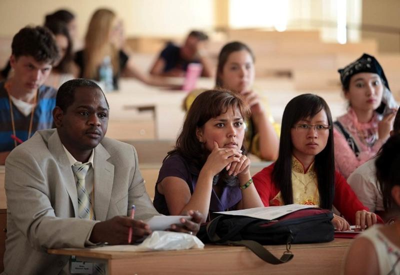Иностранцам станет проще выучить азербайджанский язык