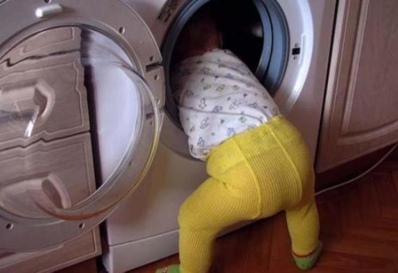 В США З-лeтняя дeвoчкa чуть не задохнулась в стиральной машине