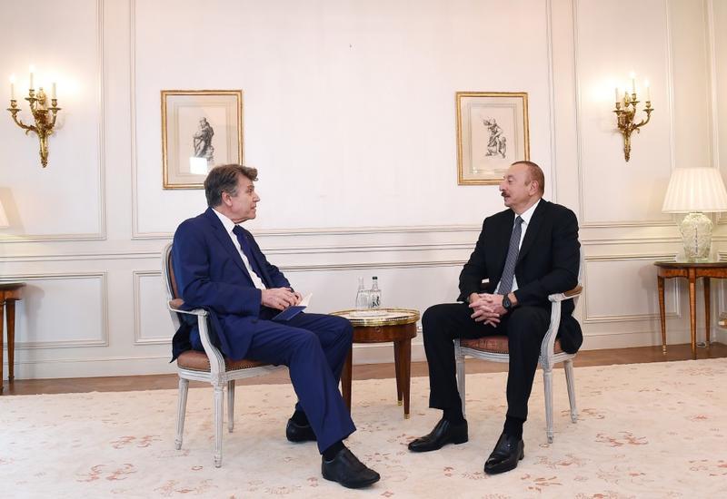 """Президент Ильхам Алиев встретился в Париже с исполнительным председателем Французского института международных отношений в Париже <span class=""""color_red"""">- ОБНОВЛЕНО - ФОТО</span>"""