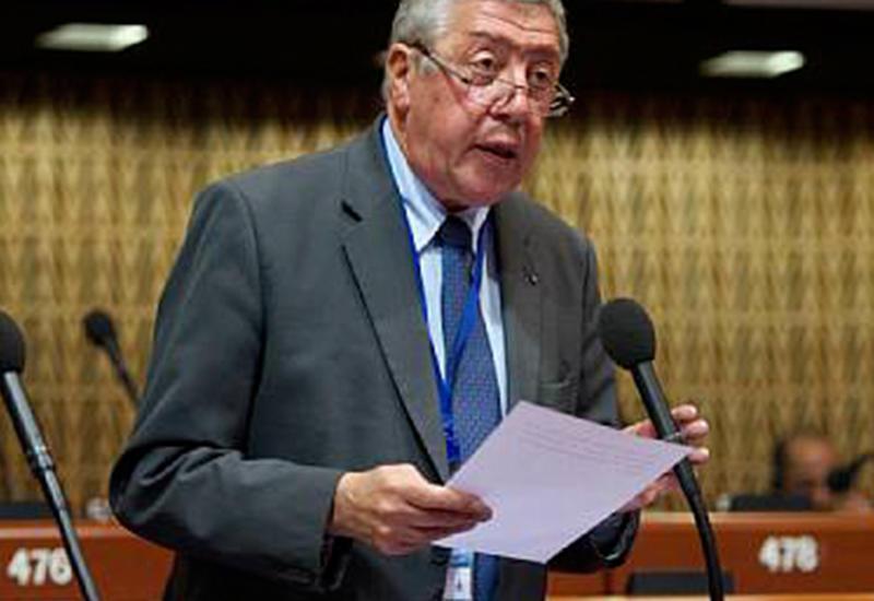 Французский провокатор Рошбулан стал гражданином Армении