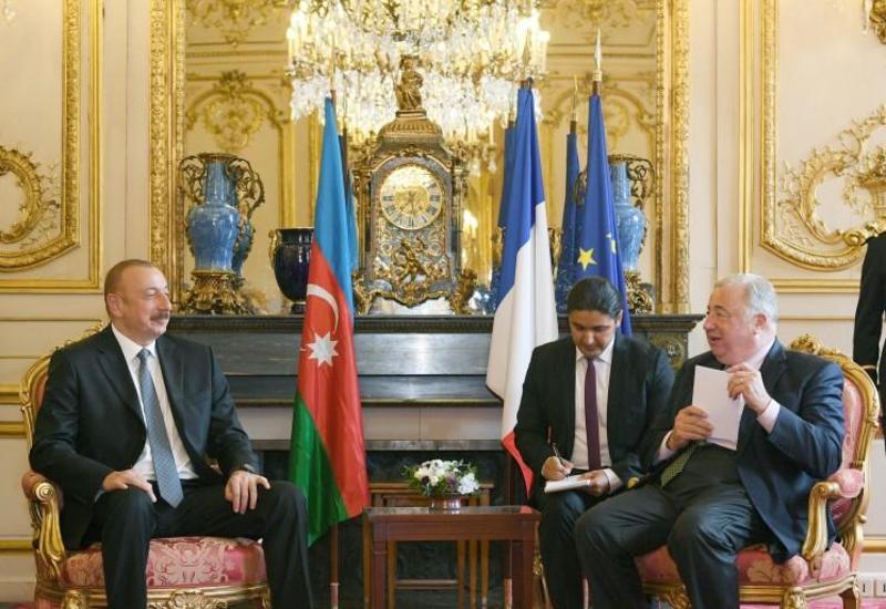 """Президент Ильхам Алиев: Азербайджан считает Францию очень близким для себя партнером <span class=""""color_red"""">- ФОТО</span>"""