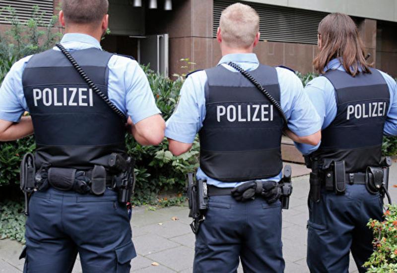 В Германии мужчина с ножом напал на пассажиров автобуса, много пострадавших