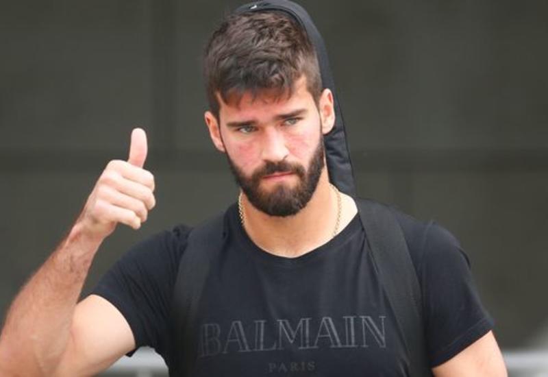"""Ливерпуль"" купил самого дорогого вратаря в истории футбола"