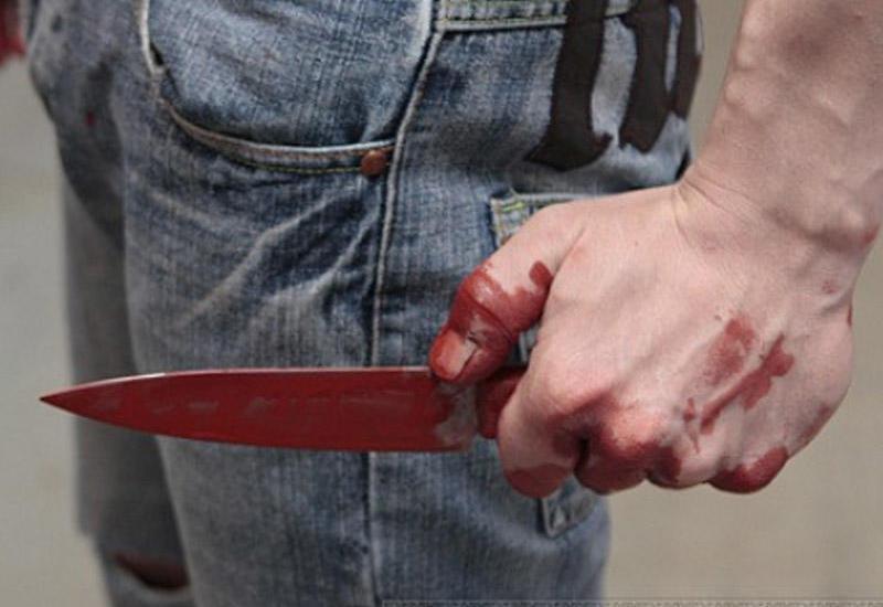 Almaniyada piyadalara bıçaqla hücum edilib - 14 yaralı