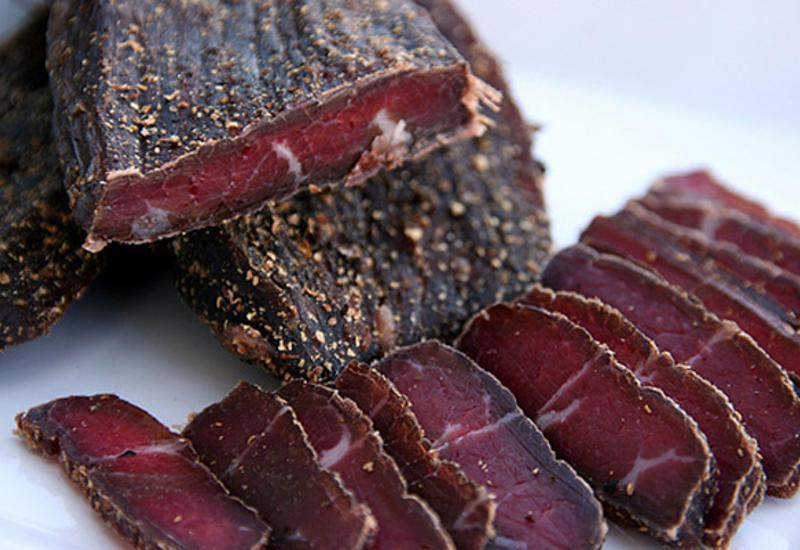 Эйфория от колбасы: чем опасна нитритная соль