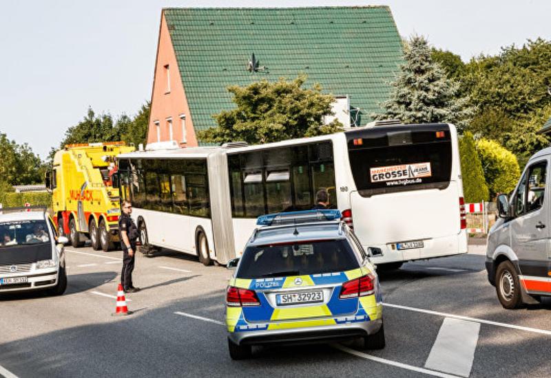 Немецкий суд арестовал мужчину, напавшего на пассажиров автобуса
