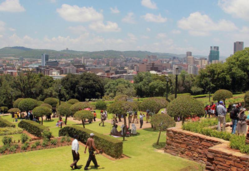 В ЮАР неизвестные напали на микроавтобус, есть погибшие