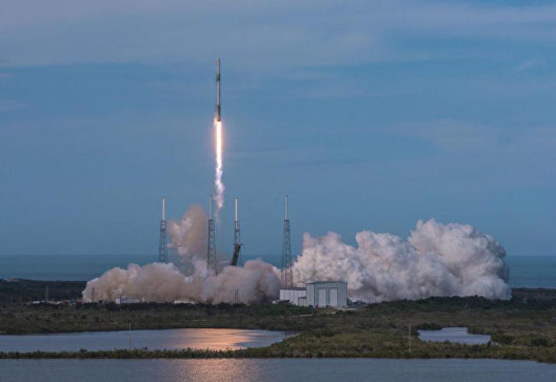 Ракета Falcon 9 с канадским спутником стартовала с космодрома во Флориде