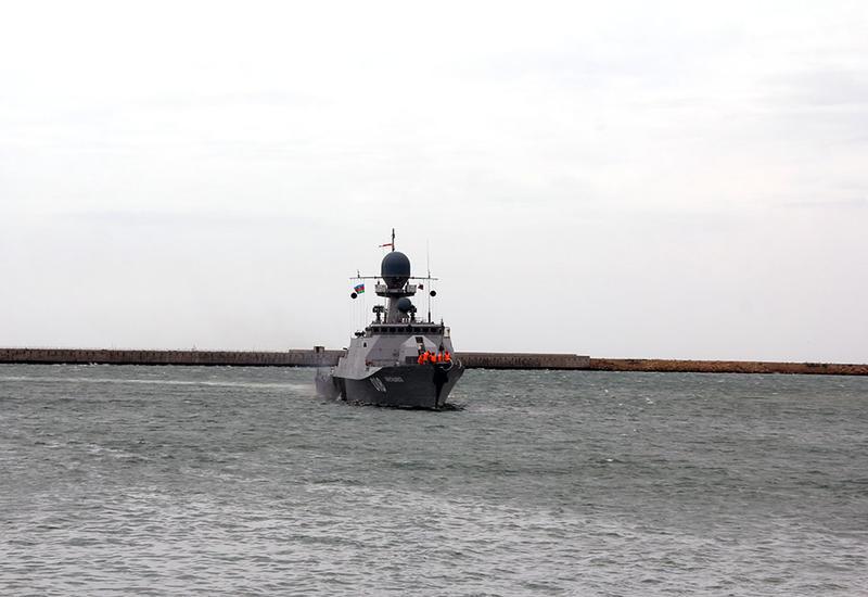 """Военные корабли России прибыли в Баку <span class=""""color_red"""">- ФОТО</span>"""