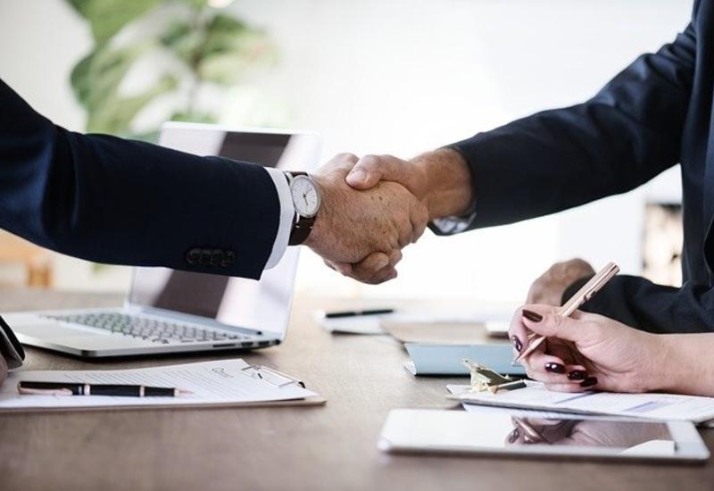 9 правил этикета, которые помогут получить работу