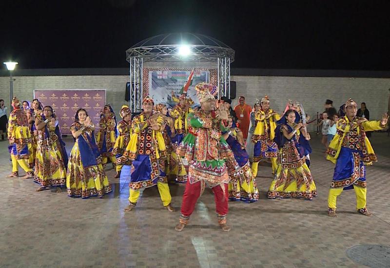 """В Баку открылся Международный фестиваль фольклорного танца <span class=""""color_red"""">- ФОТО</span>"""