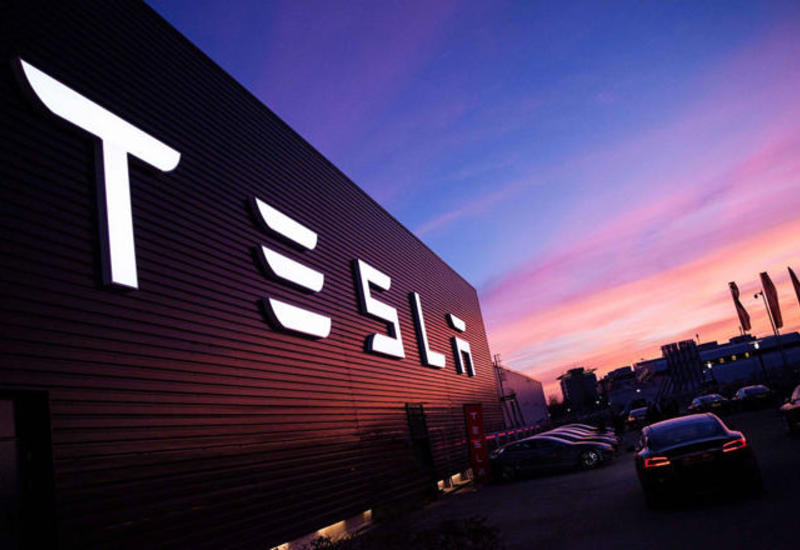 Tesla возобновляет работу завода по производству батарей для электрокаров в Неваде