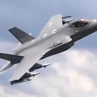 """Полет F-35 в режиме """"третьего дня войны"""" попал на камеры <span class=""""color_red"""">- ВИДЕО</span>"""