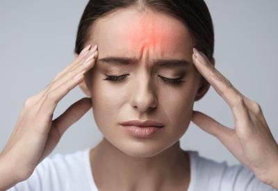 """Baş ağrısının əsas səbəbləri <span class=""""color_red"""">- Stress, artıq çəki, yuxusuzluq...</span>"""