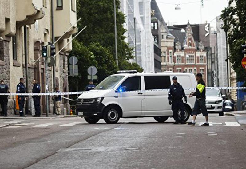 """Автомобиль влетел в ограждение у парламента в Лондоне: есть пострадавшие <span class=""""color_red"""">- ОБНОВЛЕНО - ВИДЕО</span>"""