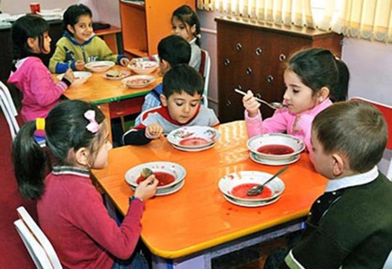 """В этих бакинских школах не будет дошкольных групп <span class=""""color_red"""">- СПИСОК</span>"""