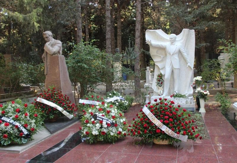 "В Баку почли память Муслима Магомаева <span class=""color_red"">- ФОТО</span>"