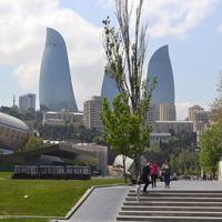 Один из въездов на бакинский бульвар стал платным