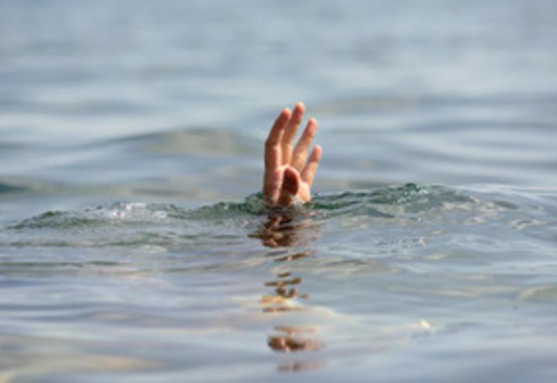 В Газахе единственный сын семьи утонул в реке
