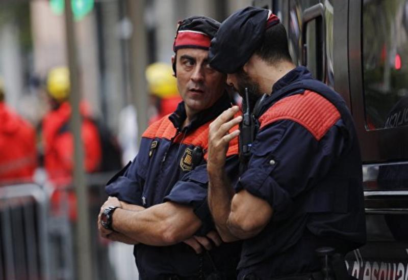В испанском баре мужчина устроил стрельбу