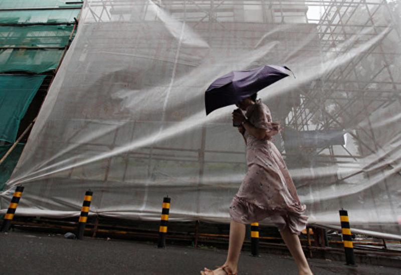 """В Китае ребенок погиб из-за тайфуна """"Румбия"""""""