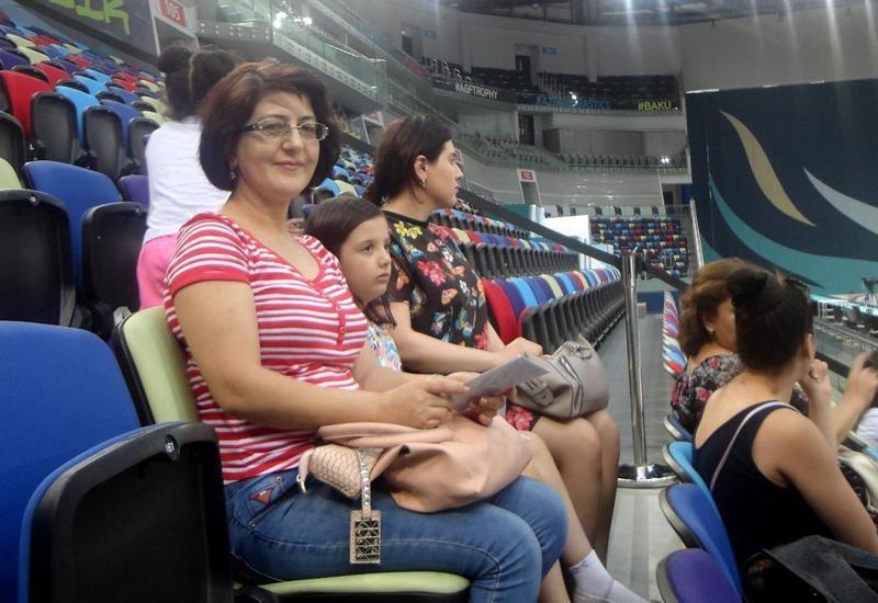 Зрительница: Испытываю гордость, что в Азербайджане арена гимнастики мирового уровня