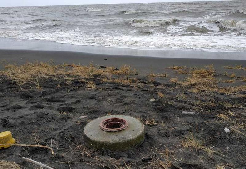 "На побережье в Лянкяране обнаружена противотанковая мина <span class=""color_red"">- ФОТО</span>"