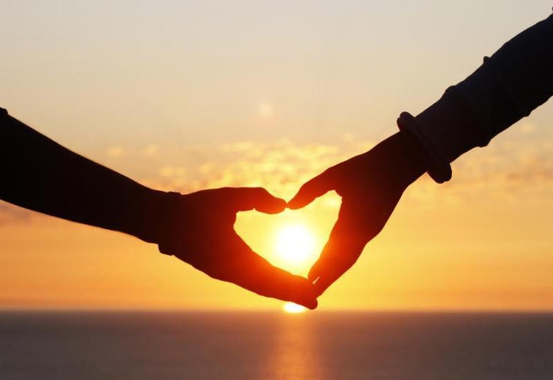 Ученые доказали существование любви с первого взгляда