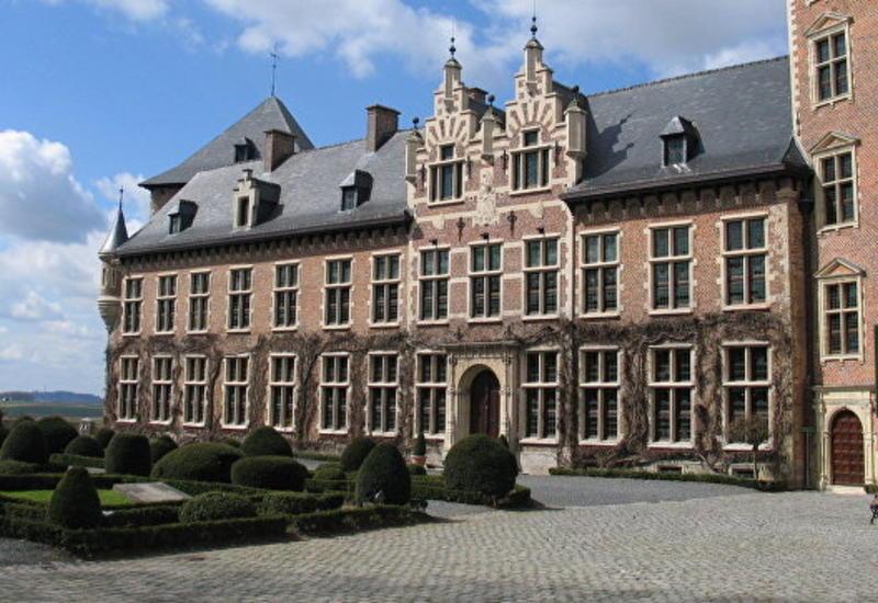 """Во Фландрии самый романтичный замок разместил """"вакансию мечты"""""""