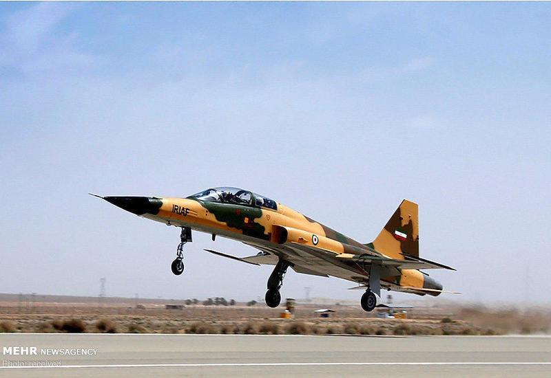 """Иран представил свой первый истребитель собственного производства <span class=""""color_red"""">- ФОТО</span>"""