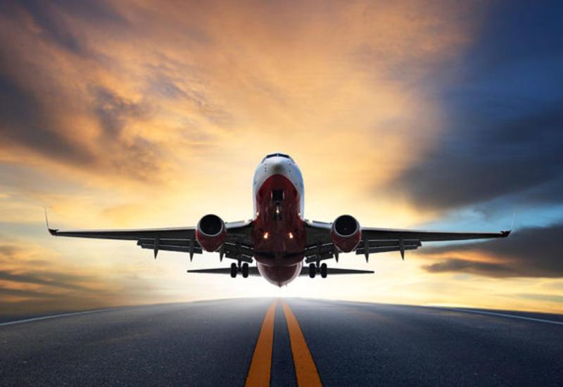 В США самолет с популярным рэпером экстренно сел из-за поломки шасси