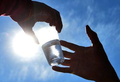 Массовое отравление питьевой водой в Ираке, тысячи пострадавших
