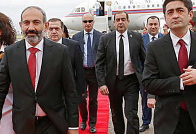 Пашинян прогнал советника, предложившего Саргсяна для переговоров по Карабаху