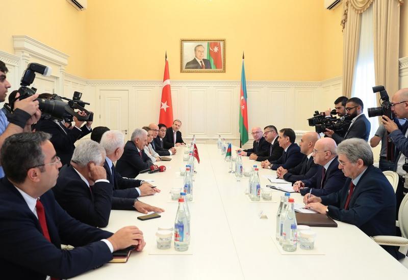 Новруз Мамедов встретился с делегацией во главе с Бинали Йылдырымом