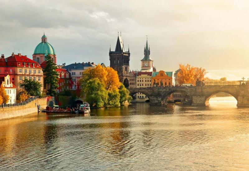 Куда лучше всего поехать отдыхать осенью?