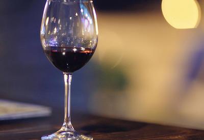 "Бокал для вина опозорил Пашиняна <span class=""color_red"">- ФОТО</span>"