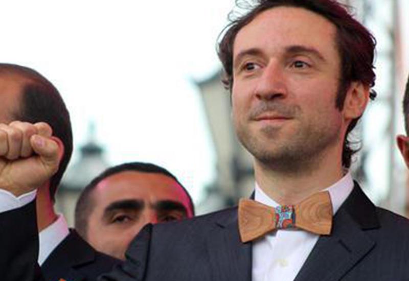 Когда комик у власти - новый бюджет Еревана потряс армян