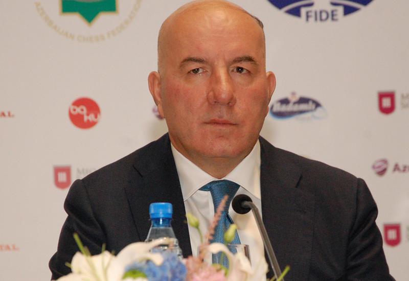 Эльман Рустамов: Валютные резервы Азербайджана резко выросли