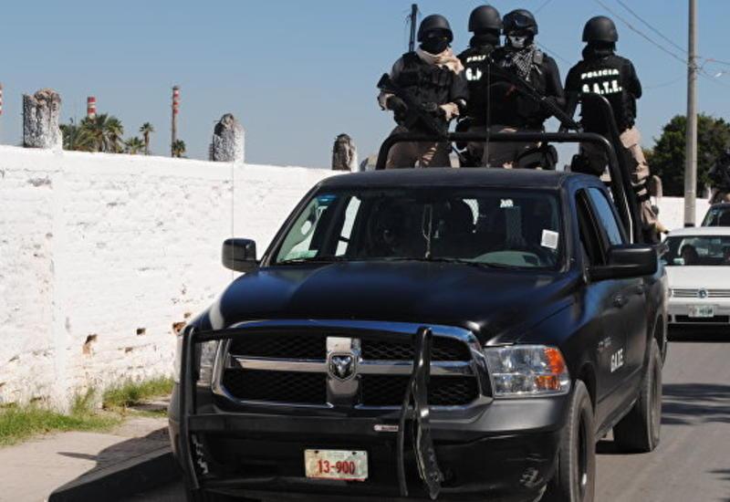 Переодетые в марьячи бандиты расстреляли людей на площади в центре Мехико