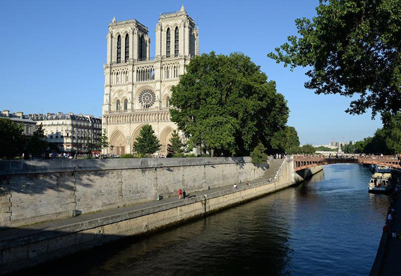Раз в месяц центр Парижа будет пешеходным