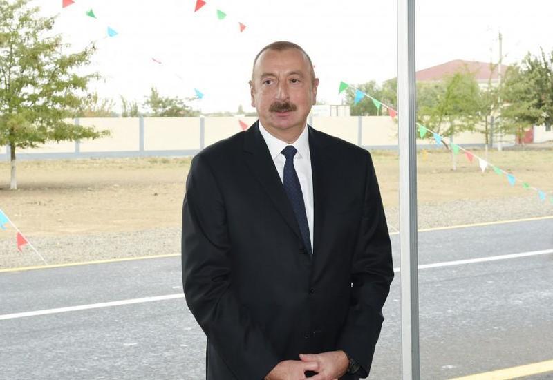 Президент Ильхам Алиев: Военные парады, посвященные 100-летию Национальной армии Азербайджана и освобождению Баку от оккупации, показали силу, мощь страны