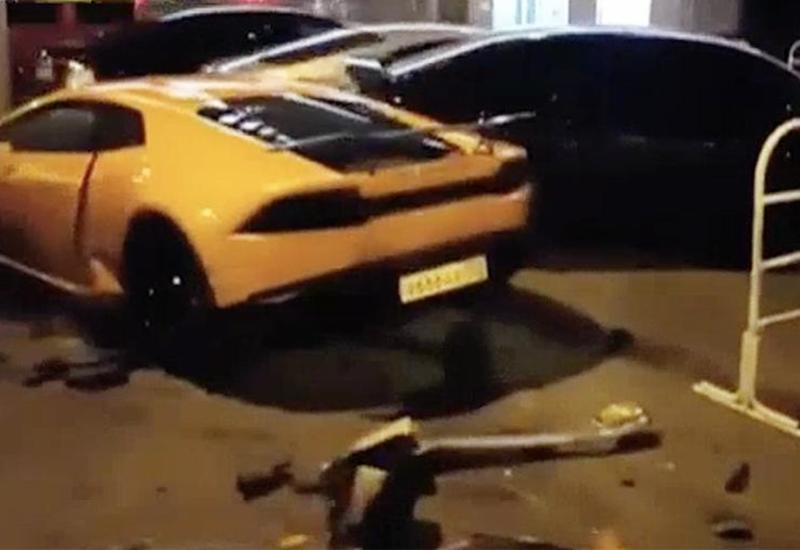 Камеры сняли момент аварии с Lamborghini и Bentley в России