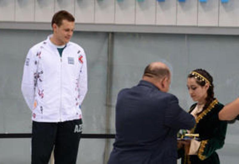 Азербайджанский пловец завоевал золото и серебро во втором этапе Кубка мира по плаванию