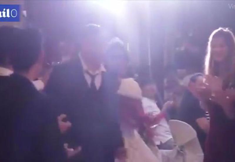 Cтрашный шторм сорвал свадебную церемонию