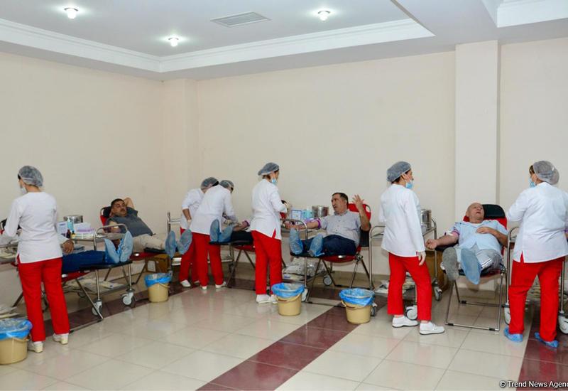 """В Азербайджане проходят донорские акции по случаю дня Ашура <span class=""""color_red"""">- ФОТО</span>"""